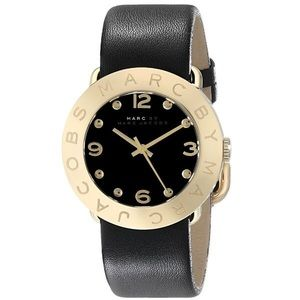 Marc Jacobs Gold Watch / Black leather Amy strap